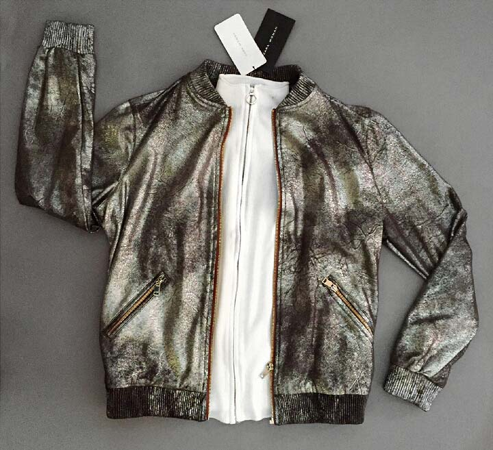 photoshooting-model-magazin-outfit-zara-metallik-jacket-sweater